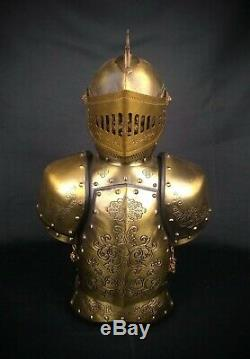 KING ARTHUR'S Armor Decanter Set Knights Of The Round Table VERY RARE