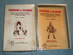 THE ORIGINAL TSR DUNGEONS AND DRAGONS WHITE BOX SET (VERY RARE and COMPLETE!)