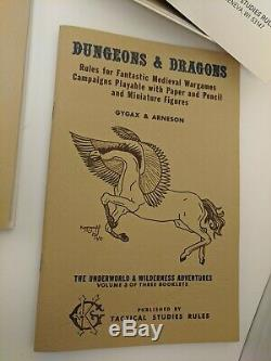 The Original TSR DUNGEONS AND DRAGONS WHITE BOX SET (VERY RARE and EXC+!)