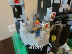 Vintage (1995) Huge LEGO set 6090 Royal Knight's Castle VERY RARE