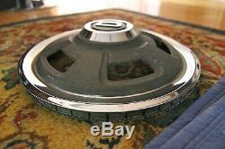 Datsun 240z Hub Caps Hubcaps Set De Quatre Très Rare