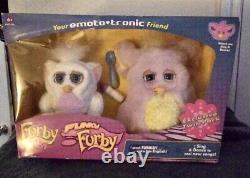 Funky Furby Avec Furby Baby Exclusive Set Très Rare