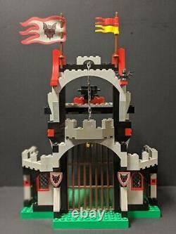 Lego 6097- Night Lords Castle Retire De Retraite Rare95% Complet, Avec Manufacture, Sans Boîte